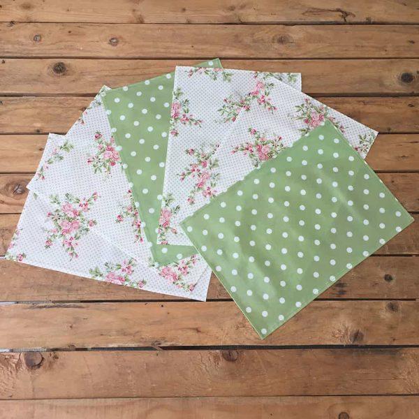 Sets de table verts et fleuris