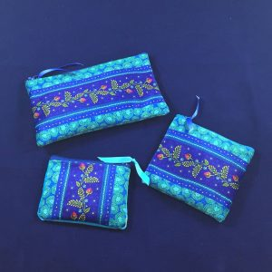 Pochettes velours – Frise Bleue